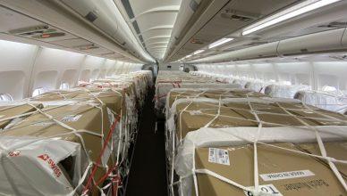 paczki w samolocie