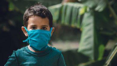 koronavirus-dzieci-maski