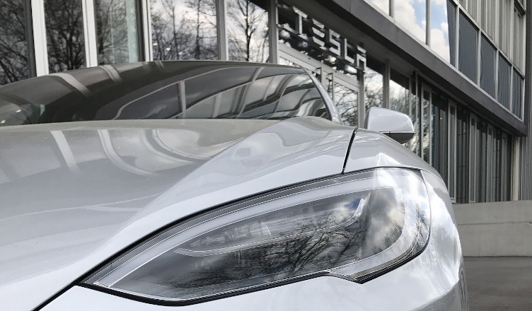 Tesla sprzedaż w chinach